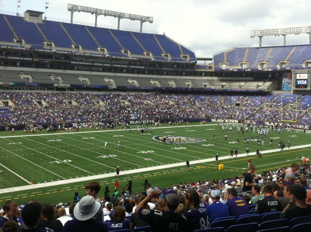 Ravens host upcoming weekend practices at m t navy and for Restaurants m t bank stadium