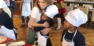 Photos of Pizza Demonstration with Giada De Laurentiis and Baltimore City Students